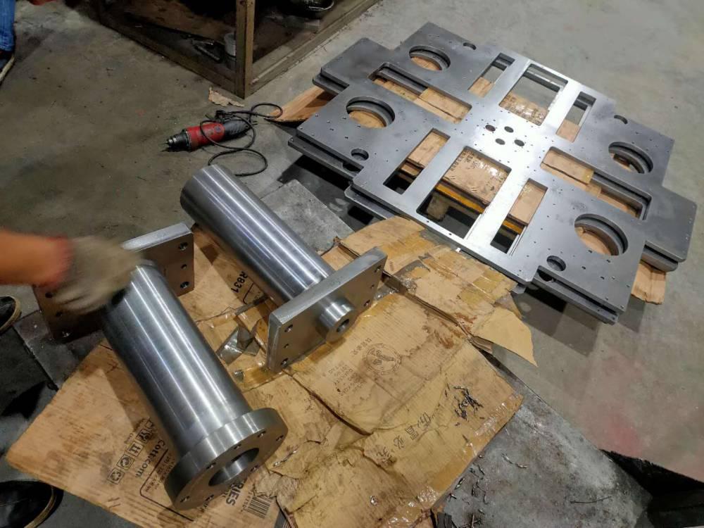广东专业机械加工厂家车间如实拍摄机构安装板加工过程实录