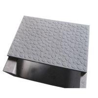 盖板模具 模具设备智能化 快速成型出产高